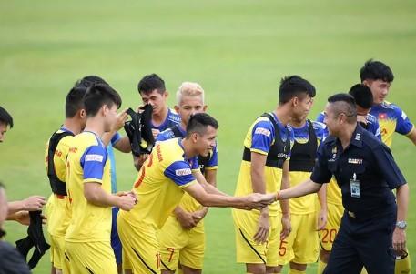 HLV Park Hang Seo đã gặp huyền thoại bóng đá Thái Lan gần đây 2